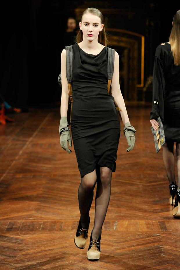 Vivienne Westwood Fall 2013 37